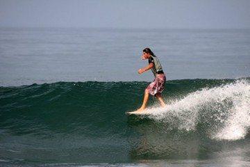 montanita surf backpacker ecuador