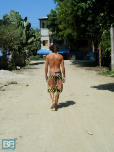backpacker montanita ecuador surf spanish-3