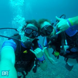 backpacker koh tao thailand diving scuba freedive