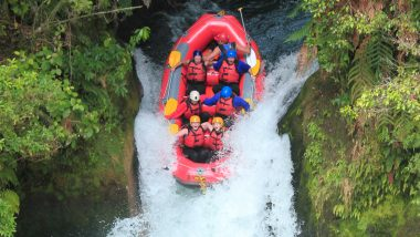 backpacker white water rafting wet n wild rotorua kiwi experience new zealand (6 of 11)