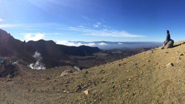 hiking tongariro alpine crossing taupo new zealand kiwi experience backpacker (17 of 17)