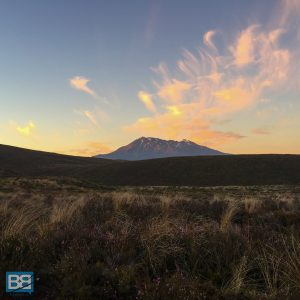 hiking tongariro alpine crossing taupo new zealand kiwi experience backpacker (1 of 17)