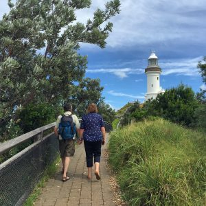 backpacker parents travel australia byron bay light house gopro selfie