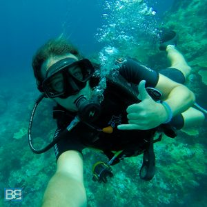 review scuba dive komodo national park diving blue marlin dive komodo padi gopro indonesia travel backpacking