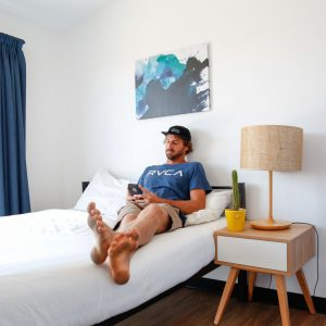 review byron bay beach hostel australia backpacker