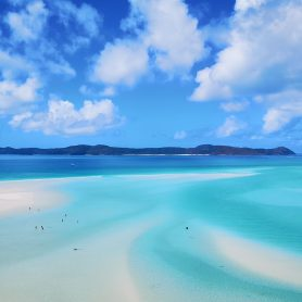 best whitsundays tours sailing day trip catamarans party boats airlie beach australia